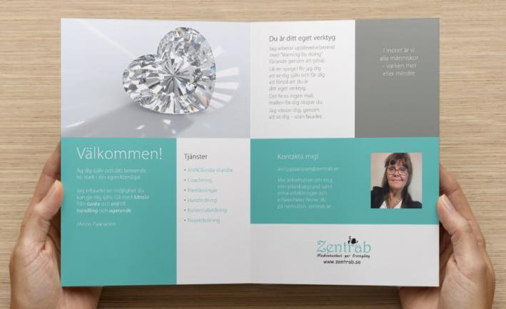 Öppnad Zentrab-broschyr